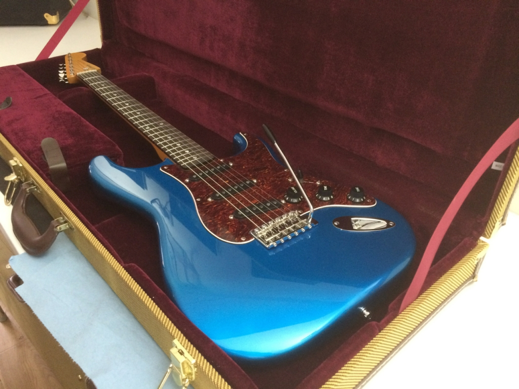 Candy Blue. Maple Rosewood V Gloss