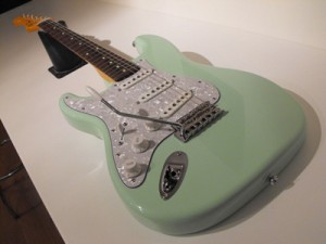 Build a Custom Made Electric Guitar Course